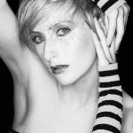 models_pippa_bw_stockings